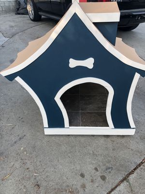 Goofy Dog House!! for Sale in Fontana, CA