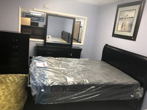 5 pieces queen bedroom set. Bed frame, chest, dresser, mirror and nightstand. Brand new. Colors: Black, cherry for Sale in Irving, TX