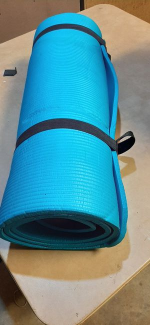 Thick yoga workout mat for Sale in Bloomingdale, IL