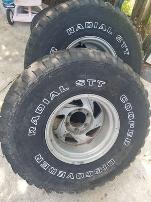 2 Chevy Silverado rims for Sale in Orlando, FL