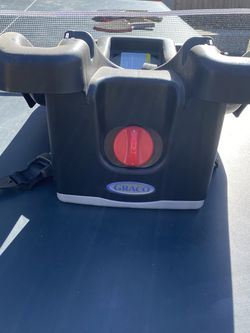Free Graco Snap And Go Base for Sale in Fresno,  CA