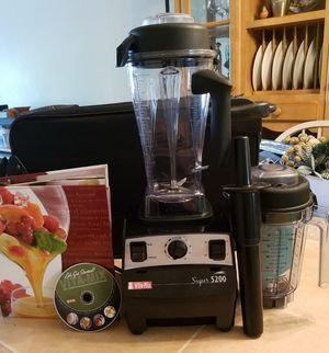 Vita-Mix Professional Blender Set Like New Condition Barely Used w/ 2nd Container New Unused for Dry Use: Full Set w/ Book & DVD for Sale in Deerfield Beach, FL