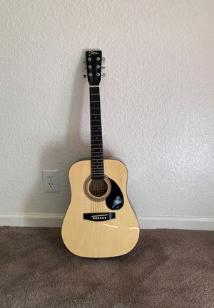 Johnson guitar 6 strings small for Sale in San Leandro, CA