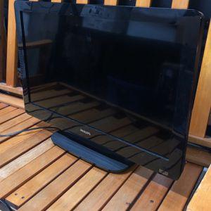 "PHILIPS TV 35.5"" for Sale in Hoschton, GA"