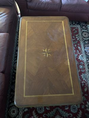 3 pieces coffee table and 2 ends tables for Sale in Millis, MA