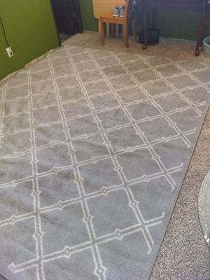 """Very large semi new and clean carpet 117"""" X 95 price firm español también for Sale in Phoenix, AZ"""