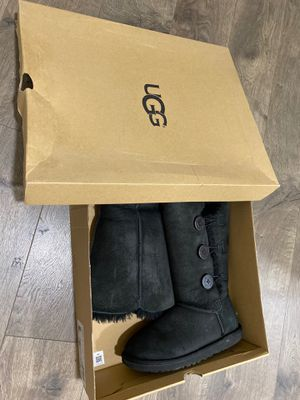 UGG size 7 for Sale in Fresno, CA