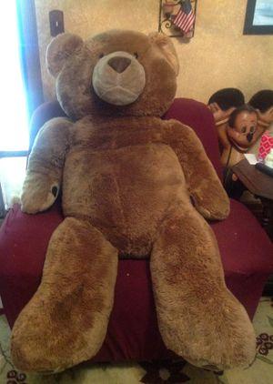 GIANT TEDDY BEAR for Sale in Clovis, CA