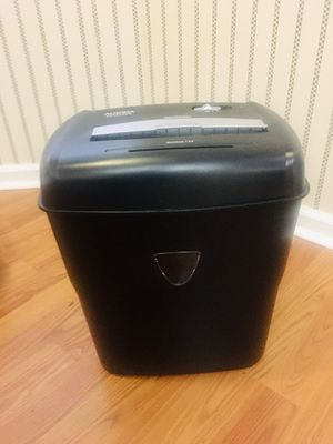 Aurora Crosscut Paper & Credit Card Shredder for Sale in Columbia, SC