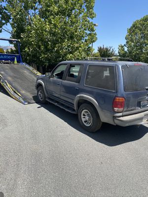 2001/2002 Ford explorer XLS four-wheel-drive for Sale in Morgan Hill, CA
