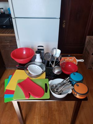 A variety of kitchen appliances/ accessories for Sale in Chicago, IL