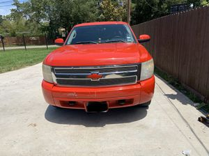 2007 chevy silverado for Sale in Humble, TX