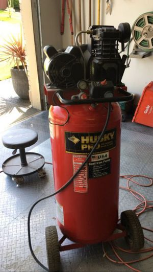 Husky Compressor Oil-Lubricated. Dont use much. Just taking up space. for Sale in Gresham, OR