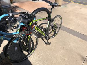 Road bike Finiss sport for Sale in Atlanta, GA