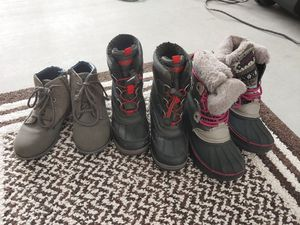 Free kids shoes for Sale in Sun City, AZ