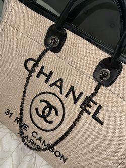 Chanel tote bag/purse for Sale in Orlando,  FL