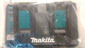 Makita Batteries and Charger for Sale in Vero Beach, FL