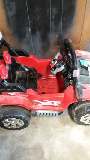 Kids ride on jeep with remote control for Sale in Selma, IA