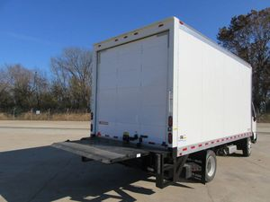 17ft Chevy truck with lift gate for Sale in Chicago, IL