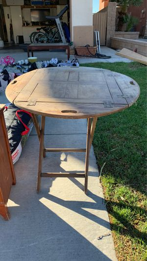 Antique table for Sale in Fontana, CA