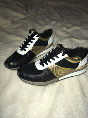 Michael Kors tennis shoes size 9 for Sale in Dallas, TX