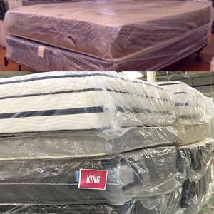 🎆🎆NEW!!🚛Delivery Available🚛Mattress BLOWOUT!! Queens Fulls Twins Kings STILL IN PLASTIC!!🎆🎆 for Sale in Bakersfield, CA
