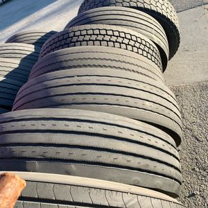 Used 18 Wheeler Tire Size 295 -75-22-5 for Sale in Anaheim, CA