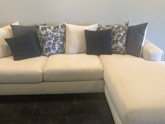 Sectional Sofa And Pillows for Sale in Fort Lauderdale,  FL