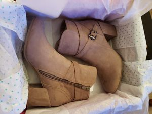 *BRAND NEW* $60 FIRM! WOMEN'S SIZE 8.5 MADDEN GIRL TAN BOOTS. NEVER TRIED ON OR WORN. for Sale in Cuyahoga Falls, OH