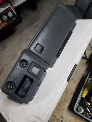 99 - 07 Chevy GMC Dark Gray Glove box for Sale in San Fernando, CA