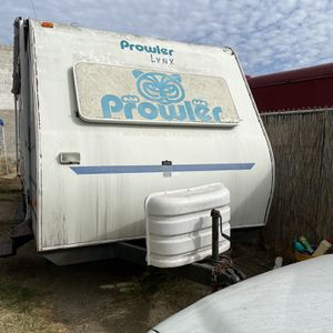 2002 Lynx Prowler Slide out dining room this is a 25 foot trailer for Sale in National City, CA