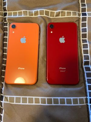 iPhone XR 64 gb (red & coral) for Sale in Wenatchee, WA