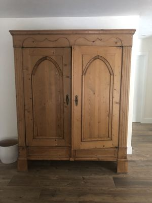 Antique Armoire (adjustable shelves, key for doors) for Sale in Palmetto Bay, FL