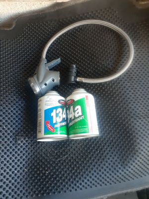 12 oz. 134a freon and hose for Sale in Los Angeles, CA