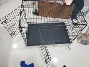 Dog crate - up to 39lb dog medium size for Sale in Miami, FL