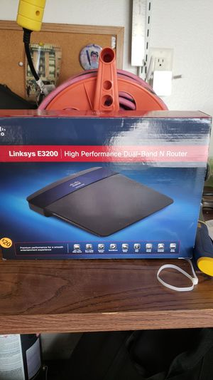Linksys E3200 router for Sale in Tarpon Springs, FL