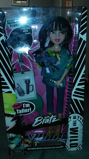Bratz doll (for little girls) for Sale in Jonesboro, GA