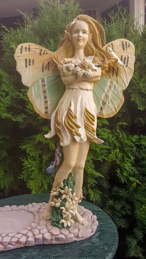 Angel of the Garden Plant Stand (23 Inches Tall) for Sale in Parma, OH