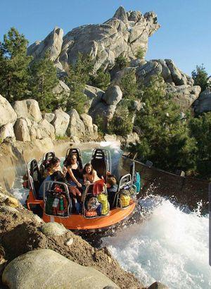 Disneyland Park Hopper Tickets for Sale in Monrovia, CA
