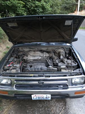 1992 toyota pickup v6 2wd trade for bike/bmw for Sale in Seattle, WA