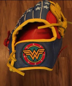 WONDER WOMAN Bad Ass Fielders Glove. 100% Leather for Sale in Tustin, CA