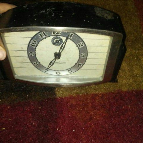 Antique Chatham from The Lux clock Mfg co. Wind up alarm clock