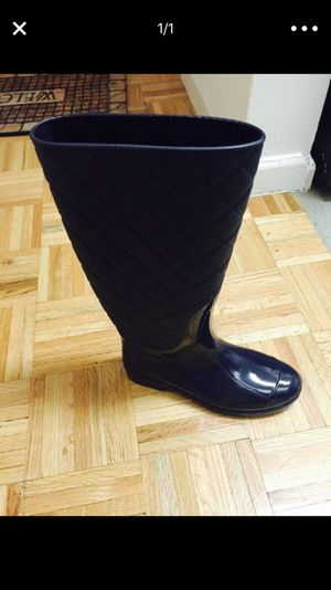 New Rampage Rain boots size 8 for Sale in Jersey City, NJ
