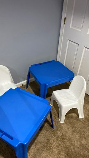 Kids plastic desk and chair for Sale in Glastonbury, CT