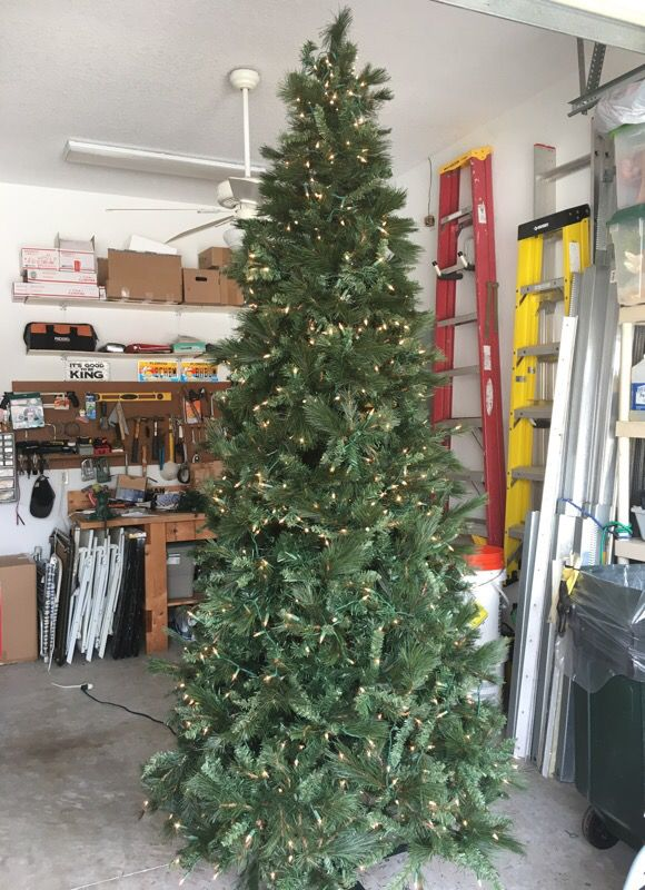 9 ft Jaclyn Smith Christmas tree Downy Pine