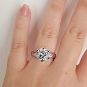New 3ct beautiful moissanite diamond ring for Sale in Bloomfield Hills, MI