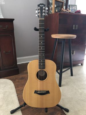 Baby Taylor Acoustic Guitar w/ Taylor Hard Case for Sale in Madison, MS