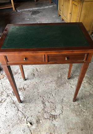Desk for Sale in South Euclid, OH