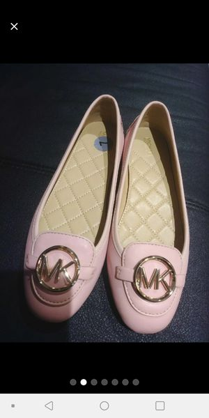 Womans Michael Kors Flats Pink size 7 for Sale in Chicago, IL