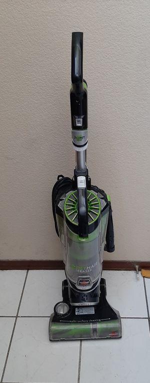 Bissel Pet Hair Eraser Upright Vacuum Model 1650A for Sale in Aurora, CO